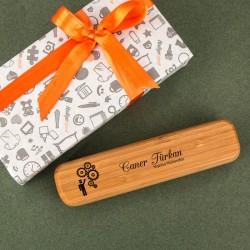هدية قلم بالاسم بصندوق بامبو فاخر