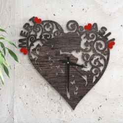 ساعة خشبية رومانسية