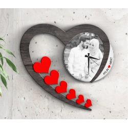 ساعة الحب الجدارية